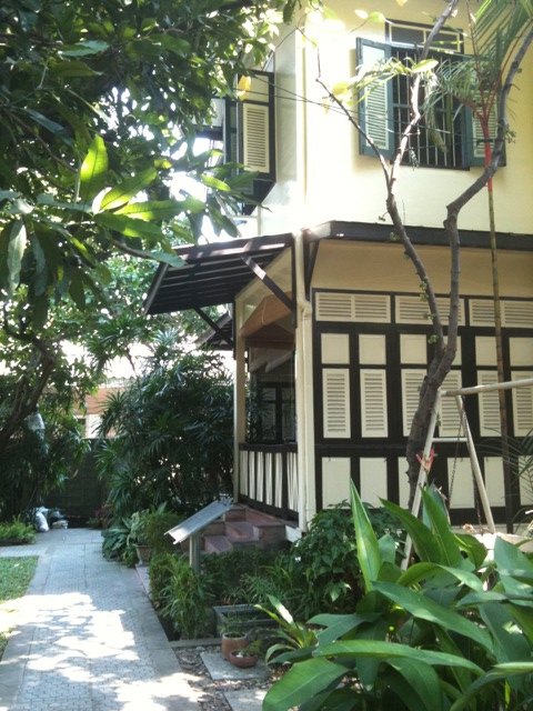 Old Town Bangkok: The Bangkokian Museum  Having